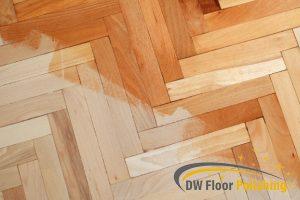 clean-looking-parquet-floor-parquet-varnishing-floor-polishing-singapore