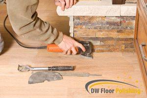 man-using-tools-for-wood-wood-polishing-floor-polishing-singapore