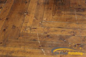 scratches-and-scuffs-on-wood-floor-wood-polishing-floor-polishing-singapore