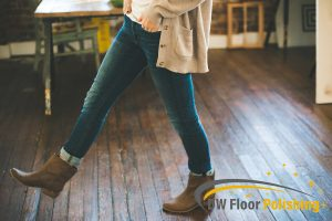 woman-walking-on-wood-floor-wood-polishing-floor-polishing-singapore